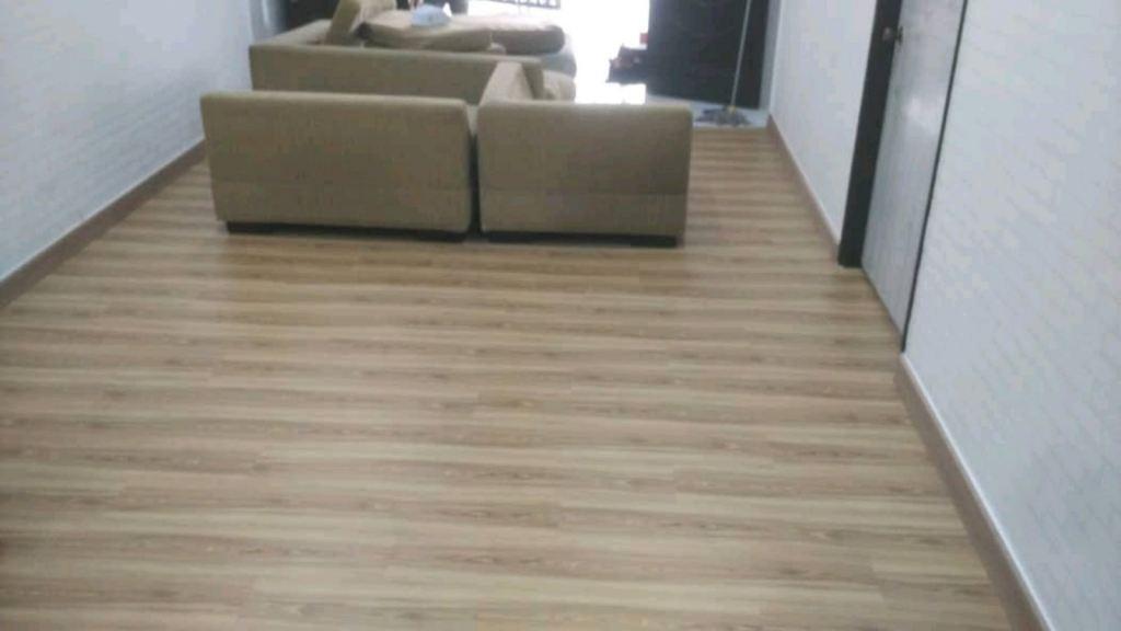 Superior Water Resistant Premium Quality Laminated Flooring