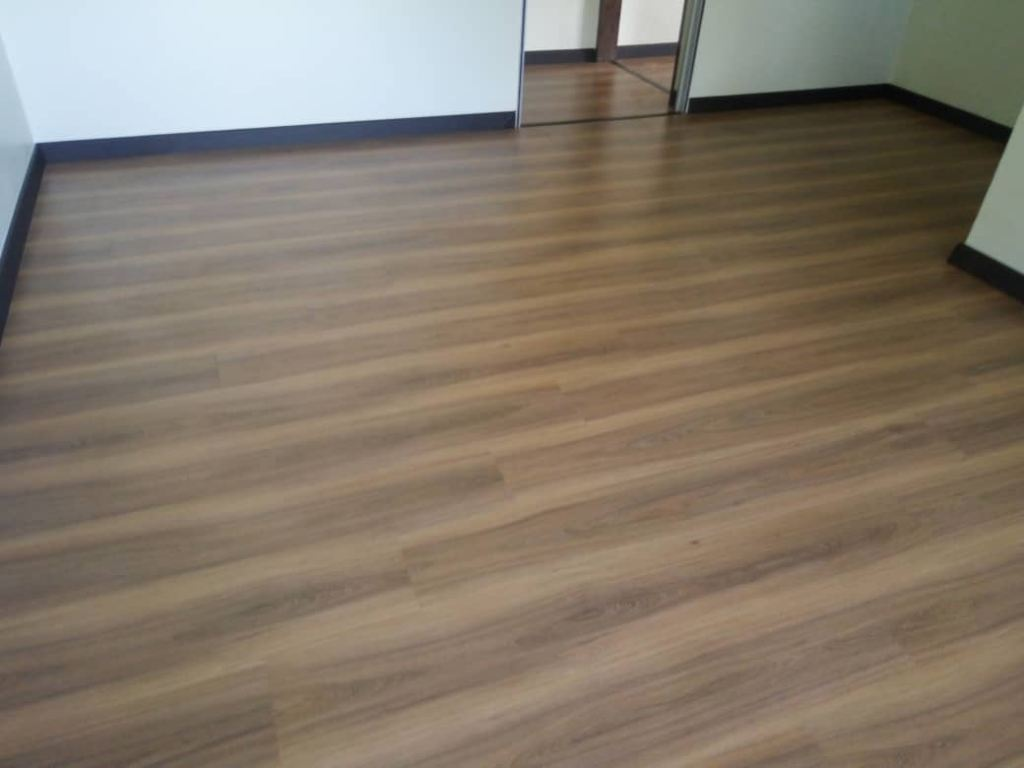 ROBINA LAMINATED FLOORING