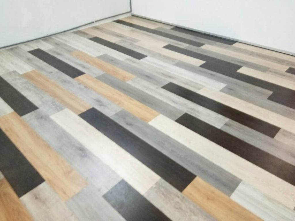 Laminate Flooring Mix Colour