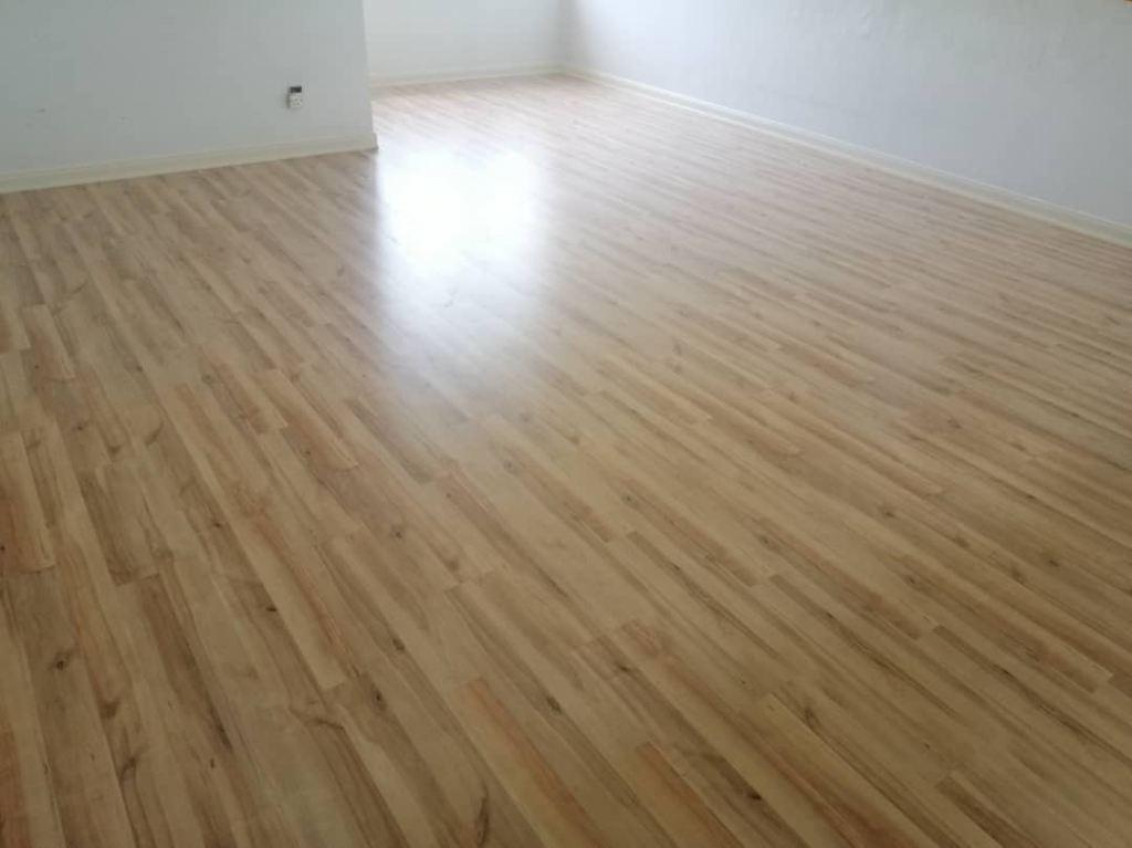 ROBINA Laminate flooring BI21