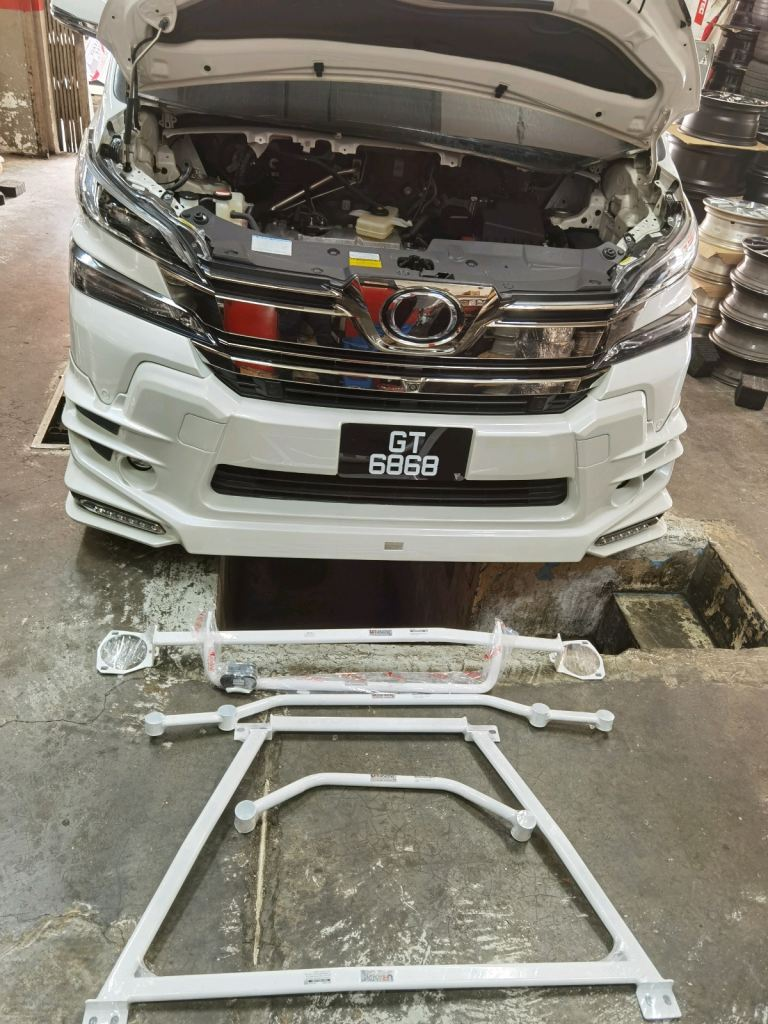ultra racing perfomance safety bar Toyota Vellfire AGH30